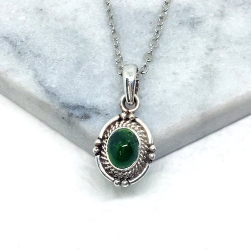 Green tourmaline 925 sterling silver elegant design necklace Nepal handmade mosaic production