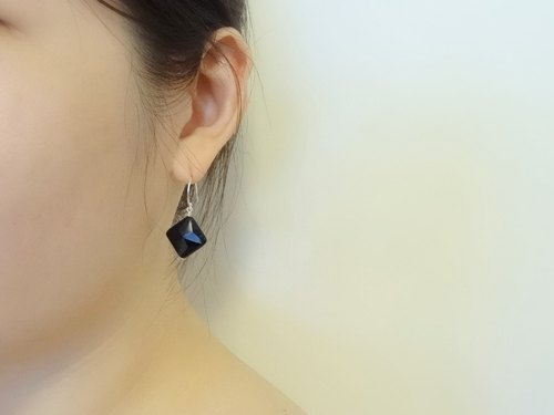 ::Geometry:: Black Onyx Square Cut Sterling Silver Drop Earrings