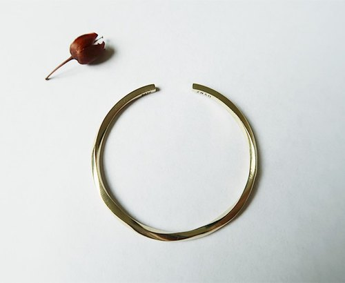 Brass・bracelet twist C-shaped glossy【AZB1708】