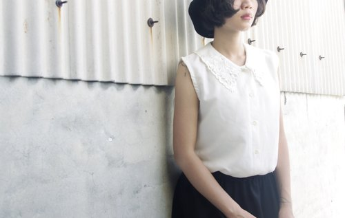 4.5studio- Geocaching vintage - classic white lace collar vintage sleeveless shirt