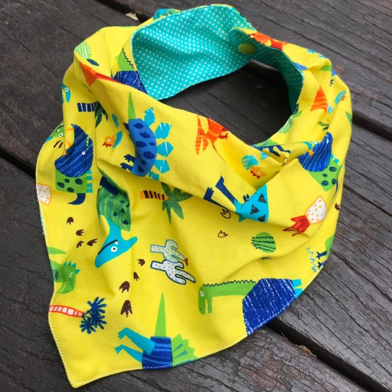 Colorful dinosaur three-dimensional triangle bib - yellow