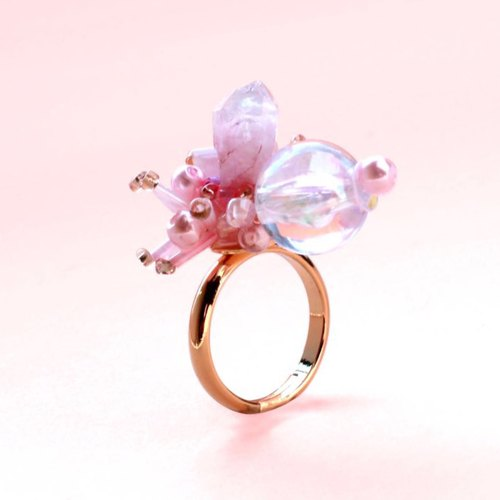 Blossom candy. Peach water droplets crystal spade mini ring