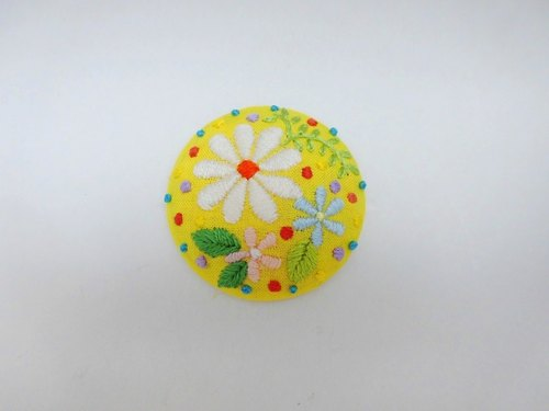 Flower handembroidery brooch(yellow)