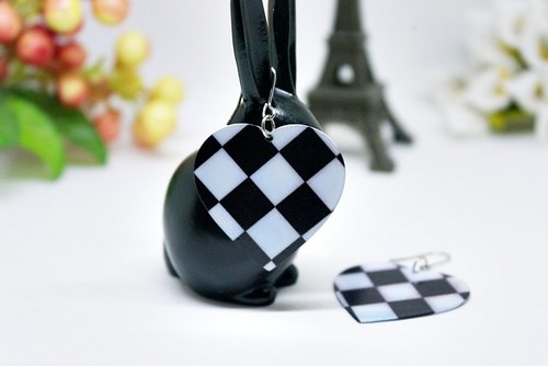 * _ * Checkered alloy hook earrings