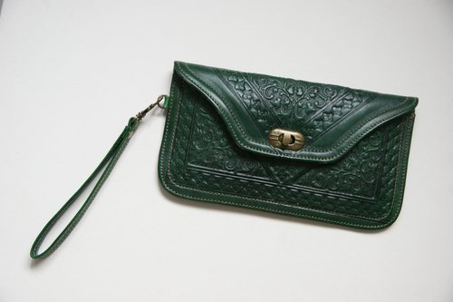 British dark green antique Clutch