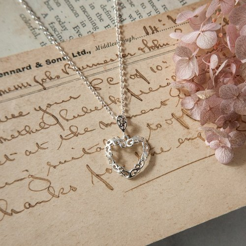 Flower Hearts Love Chain - Sterling Silver / Heart Pendant / Mother's Day / Valentine's Day / Lucky / Vine / Flower Style