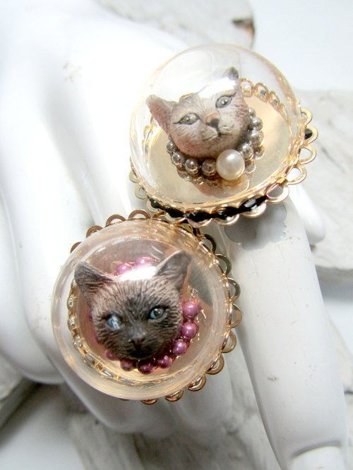 TIMBEE LO astronaut kitty glass ring
