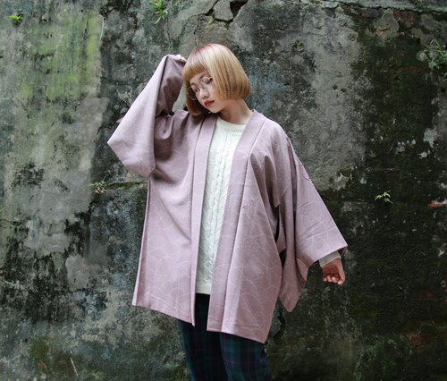Back to Green :: Japanese kimono back delicate pink purple lines combination vintage kimono (KC-02)