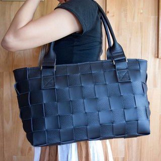 I knit with leather for a car seat. Mesh Leather / Tote Bag / Black Smooth & Black Shibo