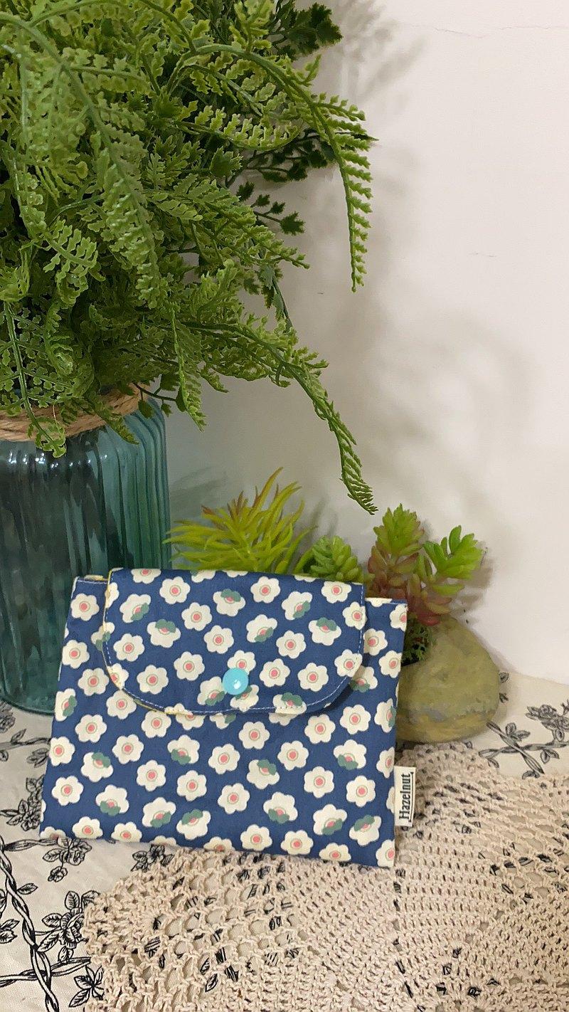 北歐風格藍色花花圖案小收納袋/小卡片包/口罩收纳/零錢包