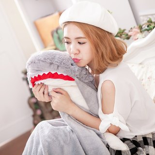 CANDY BEAR Shark Modeling Blanket
