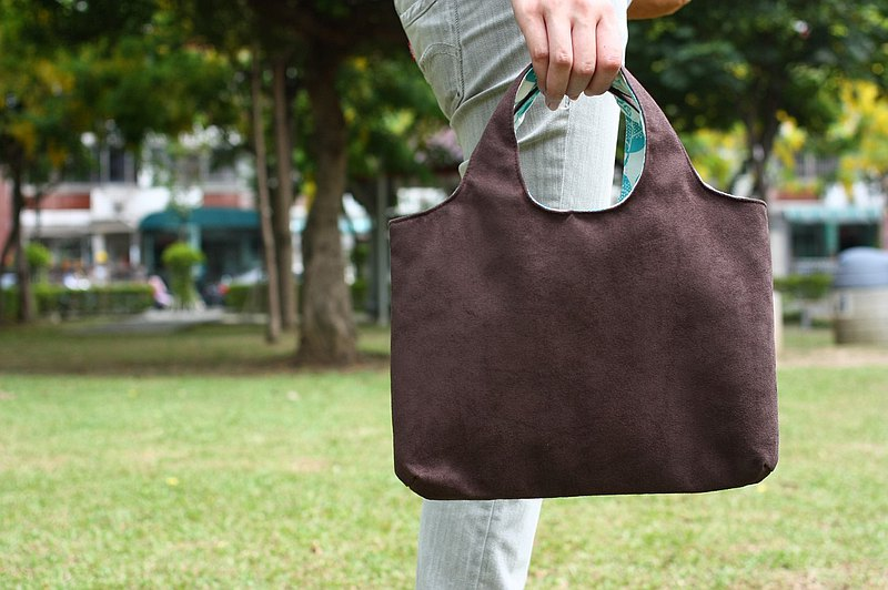 Chez. Welfare Products-Minimalist Handbags-Deep Coffee Cocoa