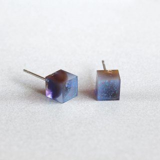 Cube Earrings ▽ 621 / Heavy Cloud No Rain ▽ Single Stud