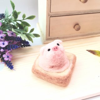 Woolfelting IceA-cream Toast_Strawberry Pig