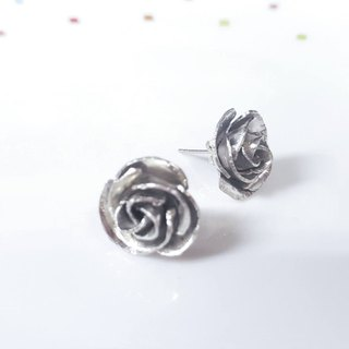 // // Sterling silver earrings Rose