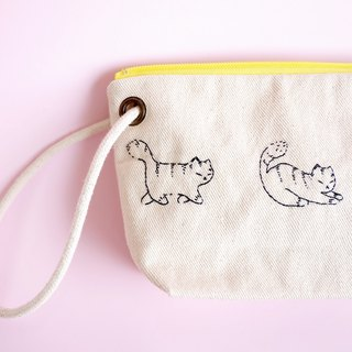 lazy cat - pencil pouch / hand embroidery