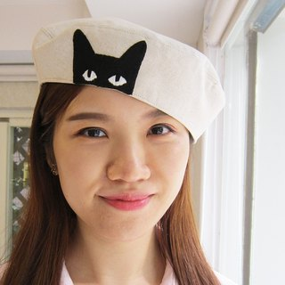 """Curious little black cat"" hand-painted patch cloth embroidered cotton and white beetle hat / painter hat Hand drawn embroidered beret"