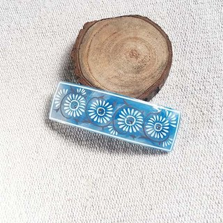 Even chrysanthemum pattern, square automatic folder, hair clips - blue