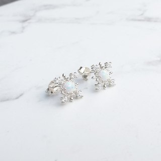 Bigman Taipa [exclusive selection] snowflake × opal × zircon sterling silver earrings