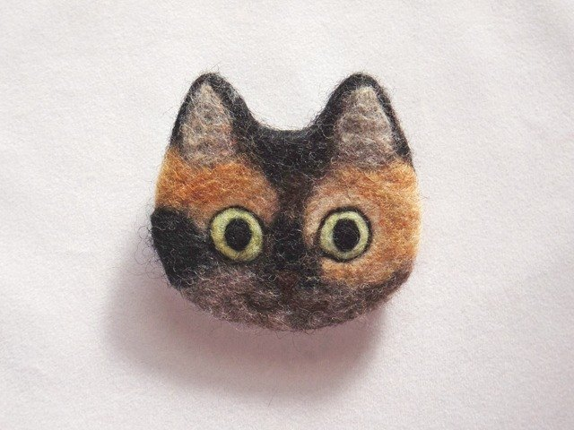 cat face felt brooch -tortoiseshell-