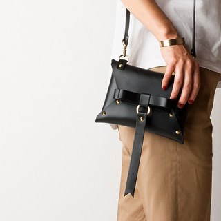 REAL LEATHER BOW pochette -  BLACK