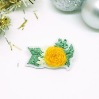 Cute Christmas Rose with Leaves Embroidery Brooche *Handmade*