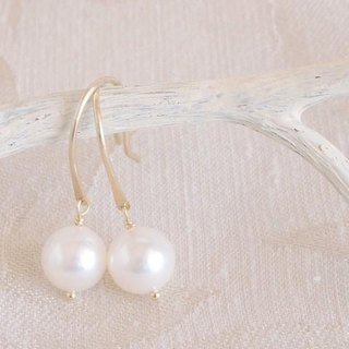 K10 Swing Pearl Earrings
