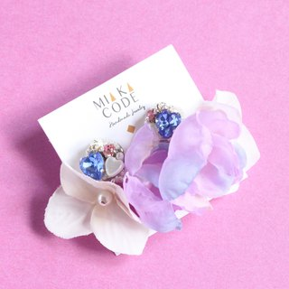 Handmade beaded flower (two-tone colour matching) Ear pin/clip earring