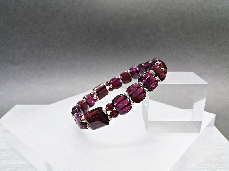 Fang Dahong - natural purple teeth garnet sterling silver bracelet
