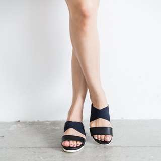 Handmade Sheepskin Strap Sandals / Grape Black