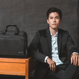 Gentleman Black - Waterproof Business Briefcase