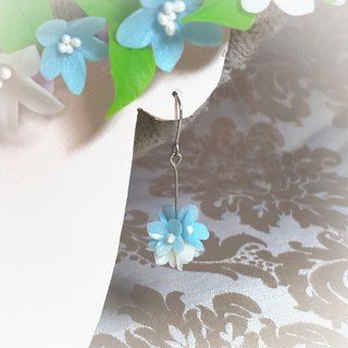 Blue and white flower ball earrings / ear hook / ear clip