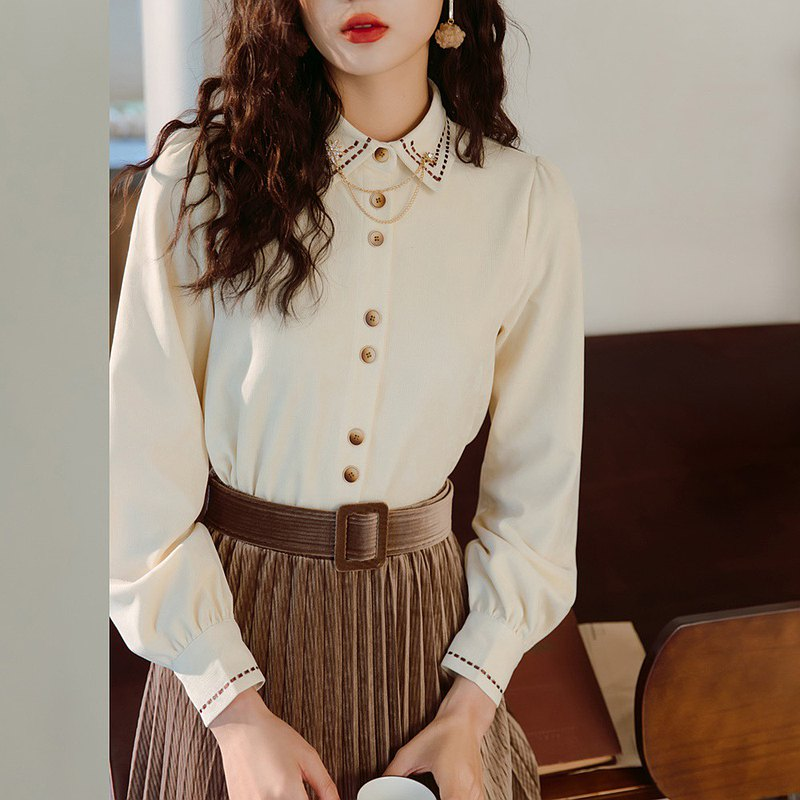 Complimentary beaded collar stitch embroidered contrast beige white long-sleeved thick shirt top