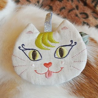 """Tear tongue curling eyelashes small cute cat"" coin purse"
