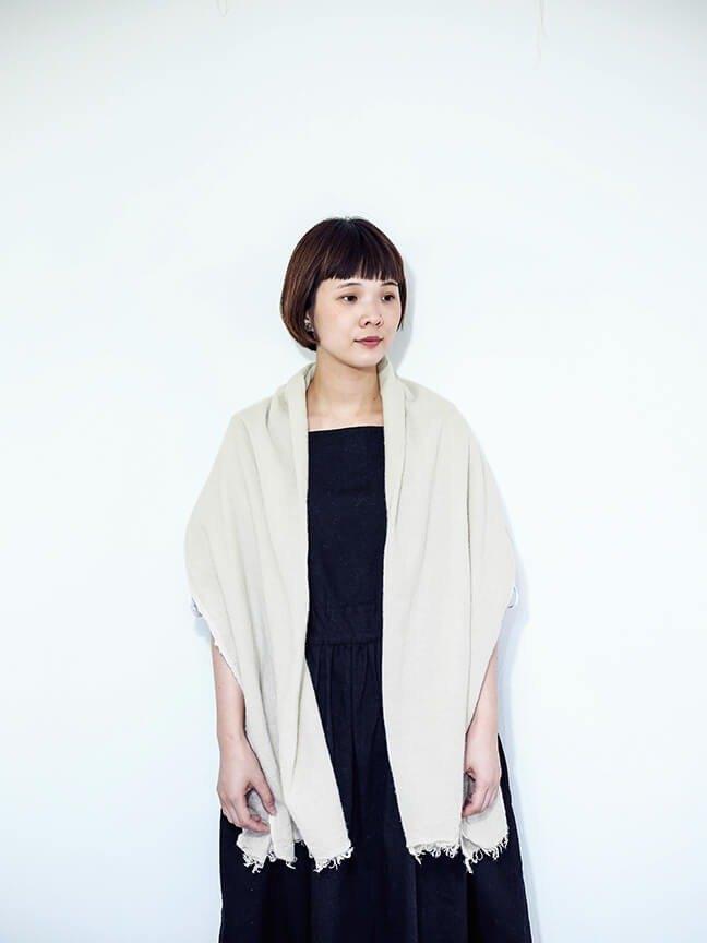 輕柔溫暖的亞麻混羊毛圍巾 (大)