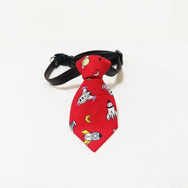 Ella Wang Design Tie Pet Tie Gentleman Rocket Spaceman Alien Red
