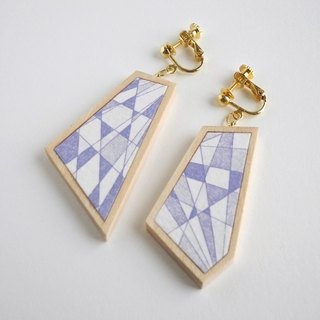 The earrings of etching print and wood <The pieces of ores / Violet color>