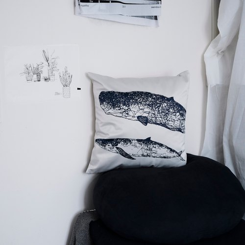Double whale pillowcase without pillow