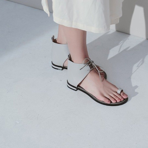 Bare flat leather toe ankle strap sandals gray