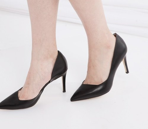 Beveled cut side dug leather high heels black
