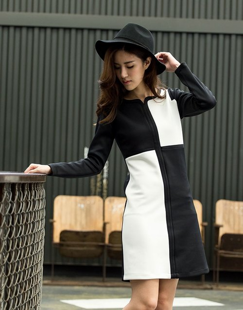 Black and white trim color dress jumping