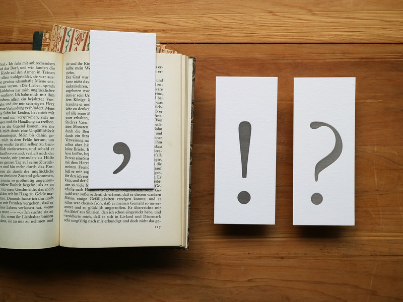 Typographic punctuation bookmark