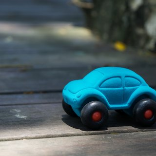 US Rubbabu pure natural latex car - - Beetle - - Biodegradable infant green toys