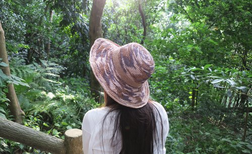 A mother の hand to do the hat - summer La Fei straw hat - folding large round cap / wood design models