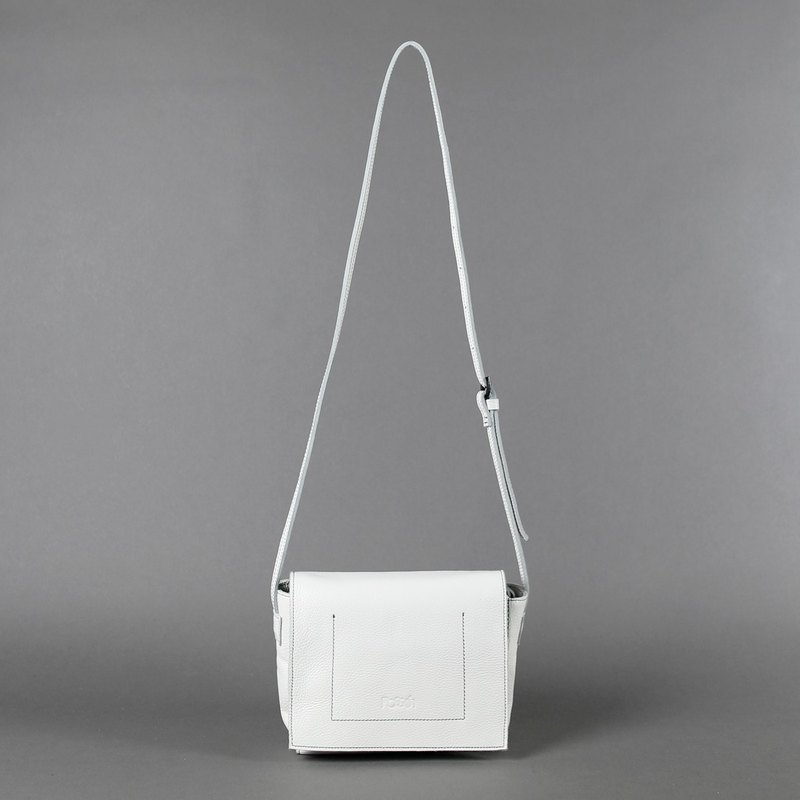 Passion small bag white hand / shoulder / oblique back