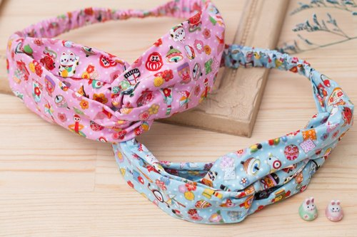 Hand play elastic cross hair band Japanese children play Lucky cat two spot in stock