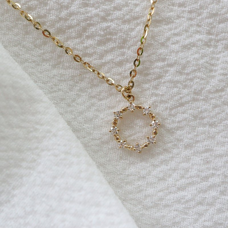 Wreath small diamond necklace