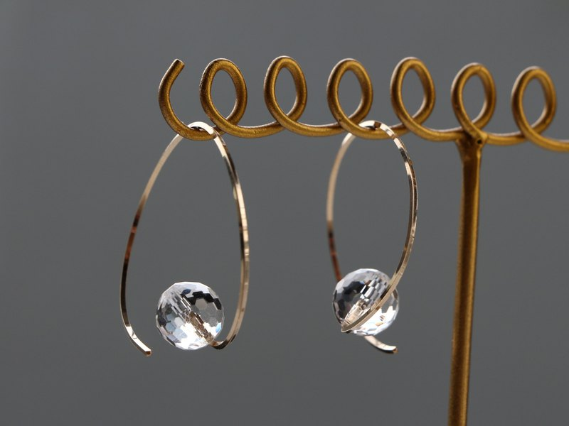 14 kgf-twist hoop crystal pierced earrings