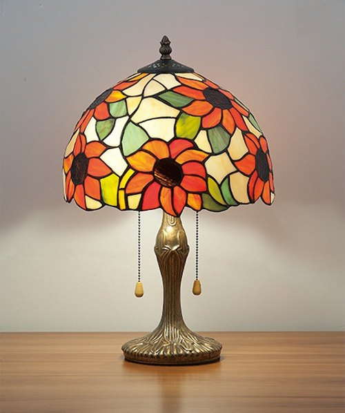 Tiffany hand-painted glass dome table lamp