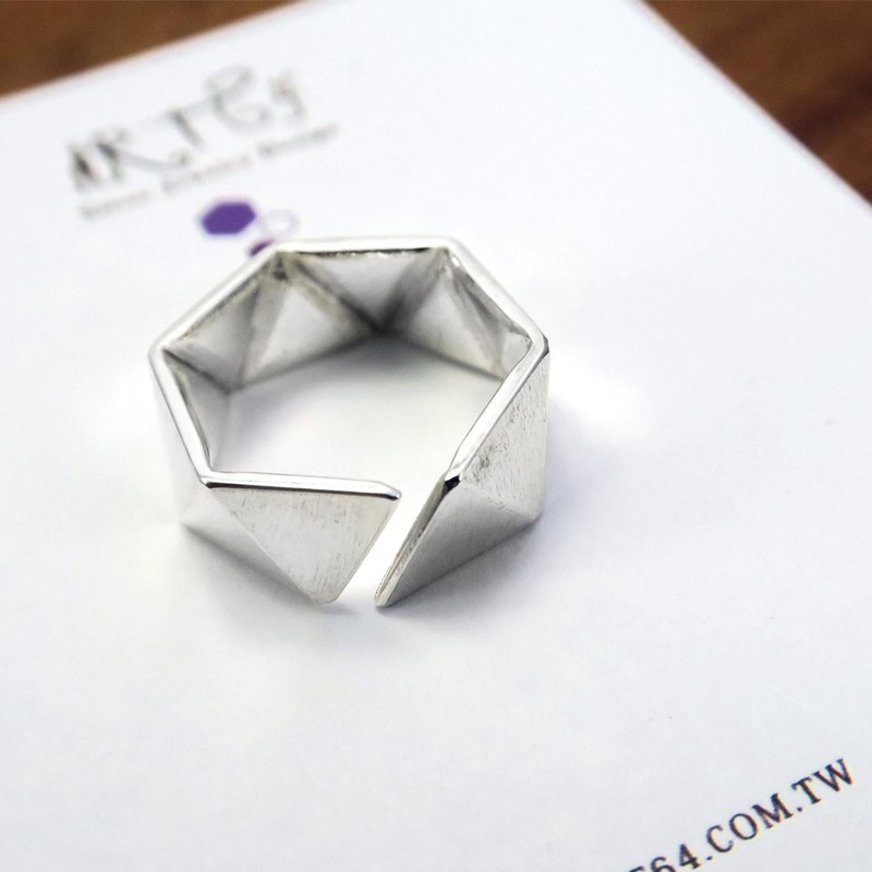 Continued Future Triangle (Small) 925 Silver Ring - 64DESIGN